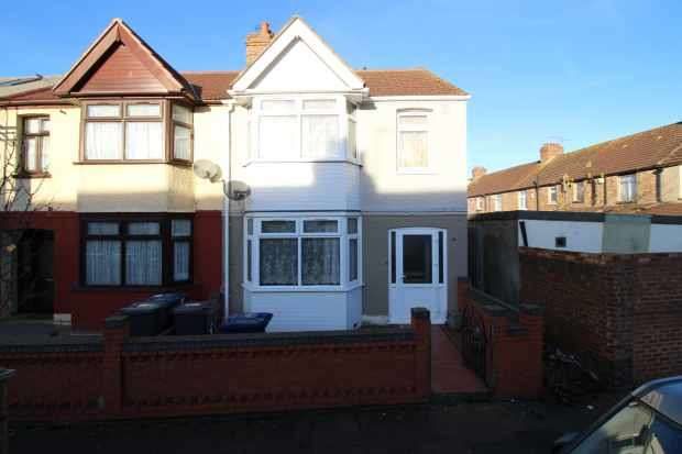 3 Bedrooms Property for sale in Williams Road, Southall, Middlesex, UB2 5QD