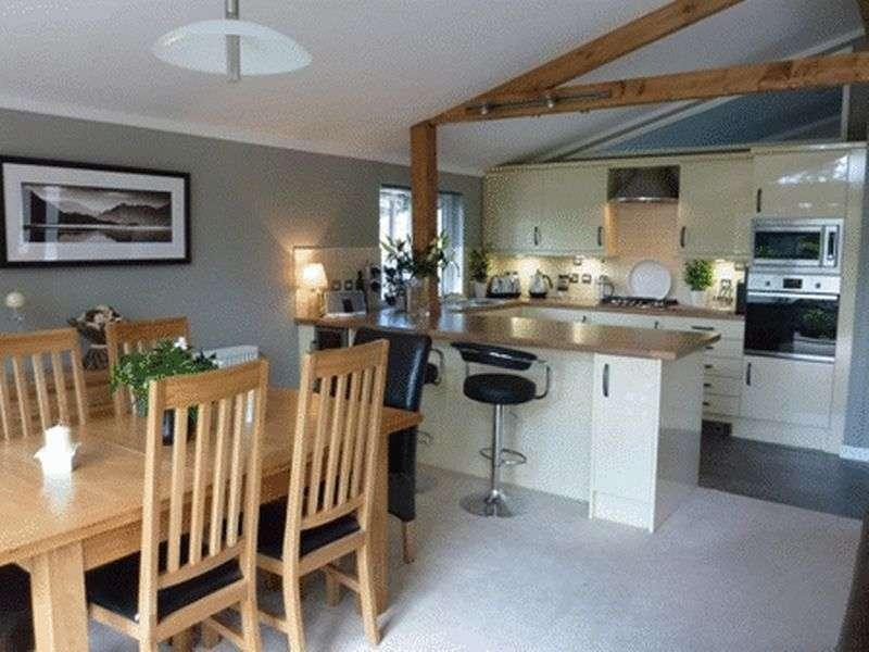 2 Bedrooms Property for sale in Crosthwaite, Kendal