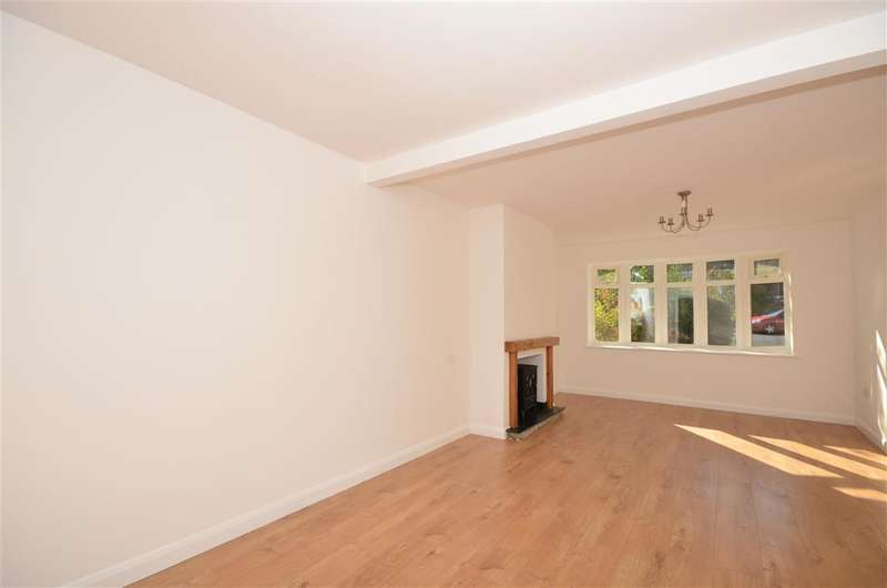4 Bedrooms Semi Detached House for sale in Magnolia Way, Pilgrims Hatch, Brentwood, Essex