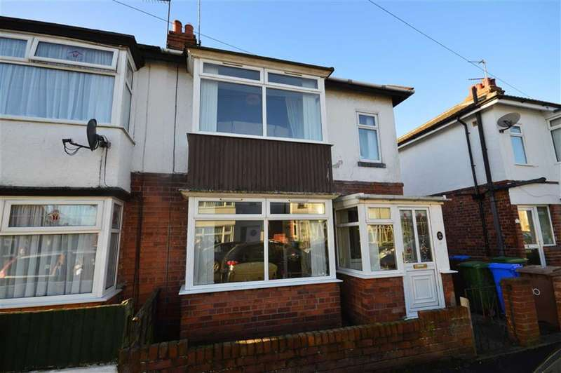 3 Bedrooms Semi Detached House for sale in Desmond Avenue, Hornsea, East Yorkshire
