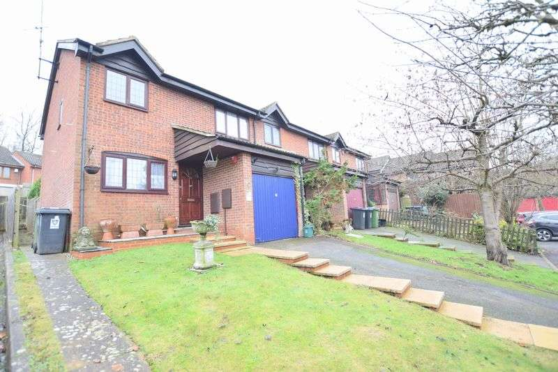 3 Bedrooms House for sale in Half Moon Meadow, Hemel Hempstead EN-SUITE TO MASTER