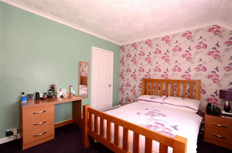 3 Bedrooms Terraced House for sale in Sandhurst Avenue, Woodingdean, Brighton, East Sussex