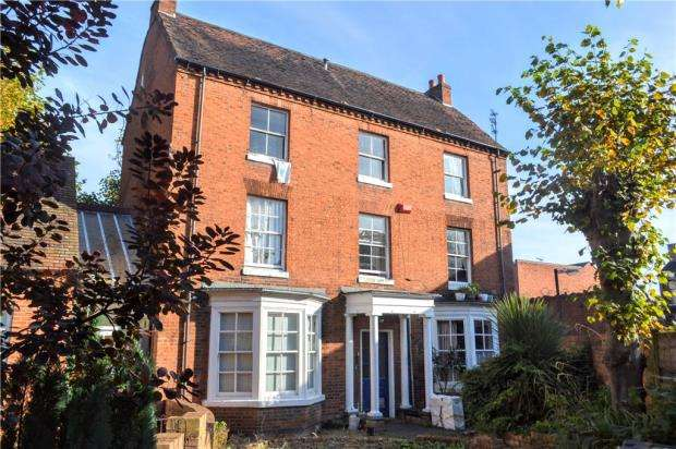 1 Bedroom Flat for sale in Gordon House, 3A Russell Terrace, Leamington Spa, Warwickshire