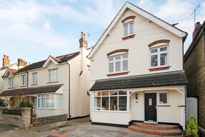 5 Bedrooms Detached House for sale in Albert Road, Ashford, TW15