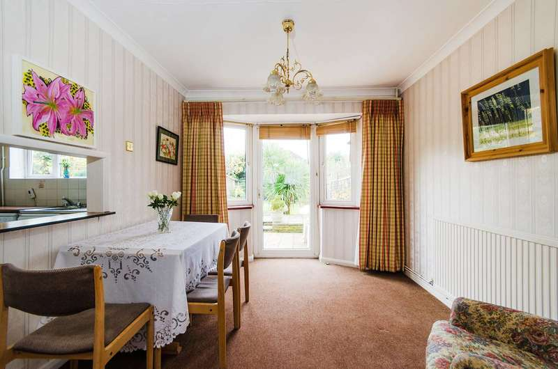 3 Bedrooms House for sale in Raisins Hill, Pinner, HA5