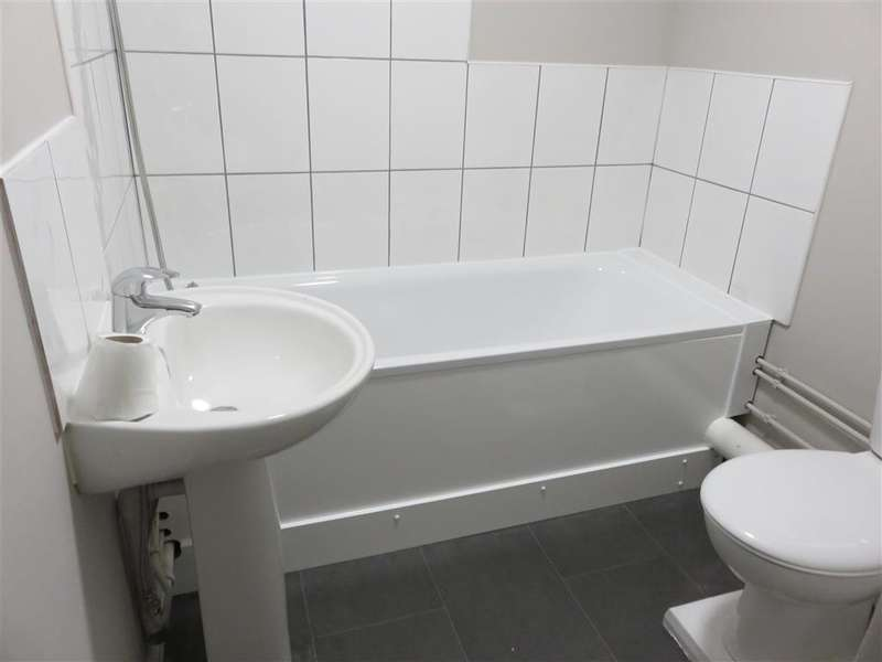 Studio Flat for sale in Constitution Road, Chatham, Kent