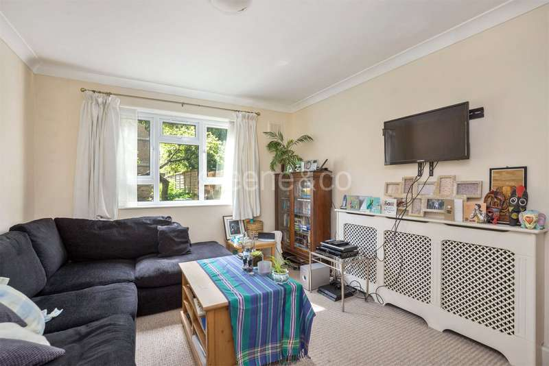 1 Bedroom Flat for sale in Ash Court, Leighton Grove, Kentish Town, London, NW5