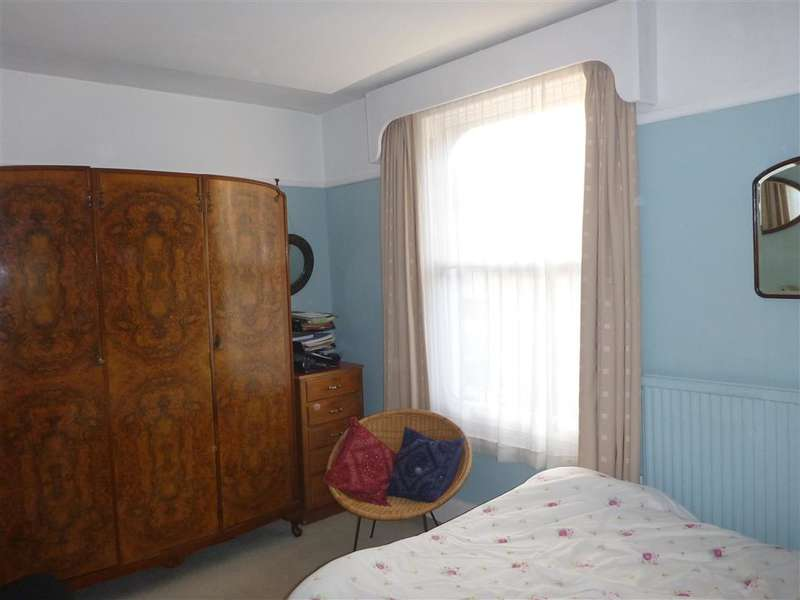 3 Bedrooms Terraced House for sale in Harold Road, Southsea, Hampshire