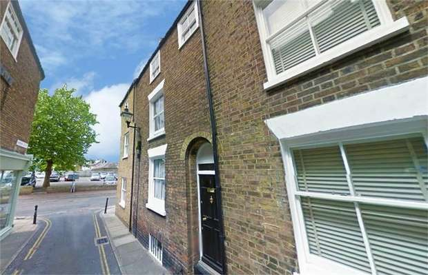 2 Bedrooms Terraced House for sale in Farrier Street, Deal, Kent