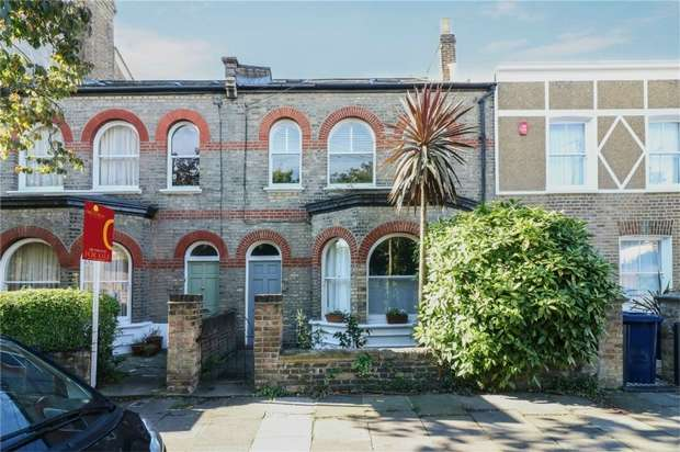 2 Bedrooms Flat for sale in Cleveland Road, London