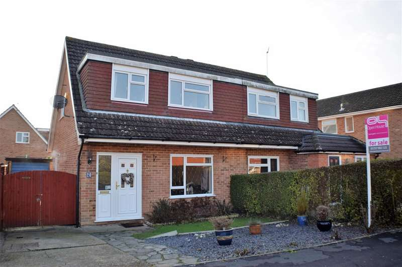 3 Bedrooms Semi Detached House for sale in Poynes Road, Horley