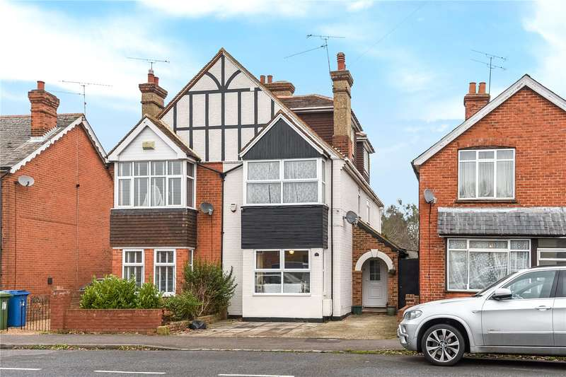 4 Bedrooms Semi Detached House for sale in Yorktown Road, College Town, Sandhurst, Berkshire, GU47