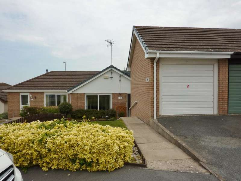2 Bedrooms Bungalow for sale in Maenan Road, Llandudno, Conwy, LL30 1NQ