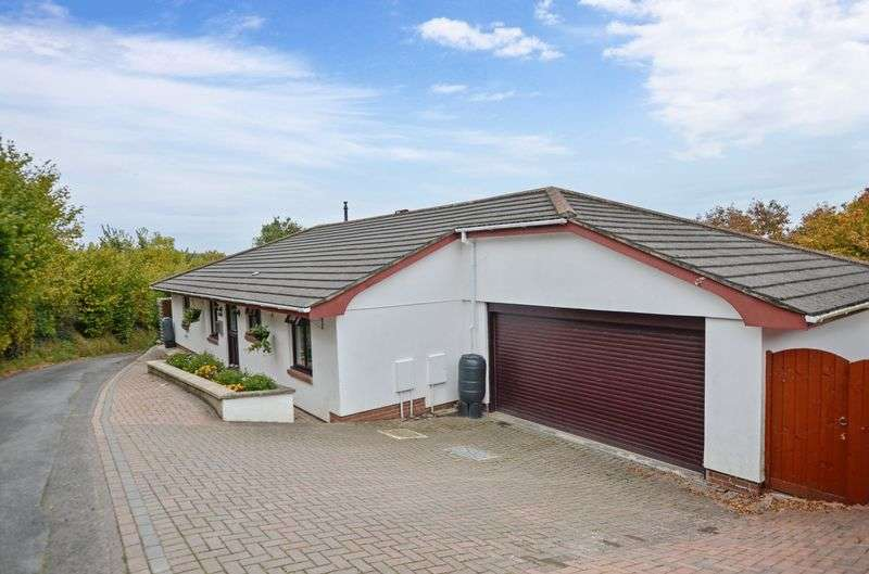 3 Bedrooms Detached Bungalow for sale in Hackney Lane, Kingsteignton