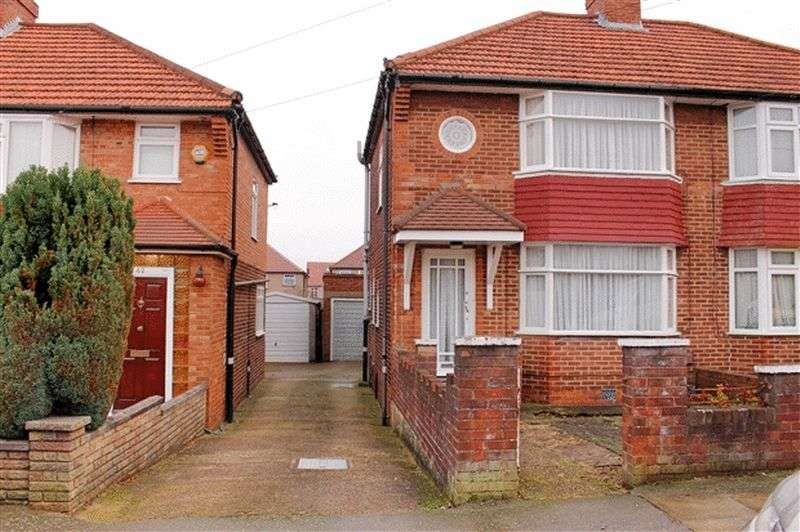 3 Bedrooms Semi Detached House for sale in Orchard Grove, Edgware, Middlesex, HA8 5BH