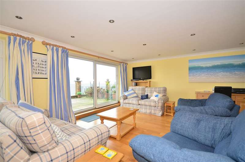 2 Bedrooms Apartment Flat for sale in Queens Road, Cowes, Isle of Wight