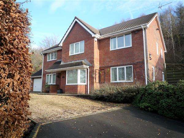 4 Bedrooms Detached House for sale in Ty Coch, Lon Stephens, Cardiff
