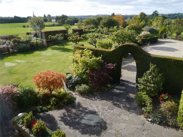 4 Bedrooms Semi Detached House for sale in Mill End, Bredon, Tewkesbury, Gloucestershire