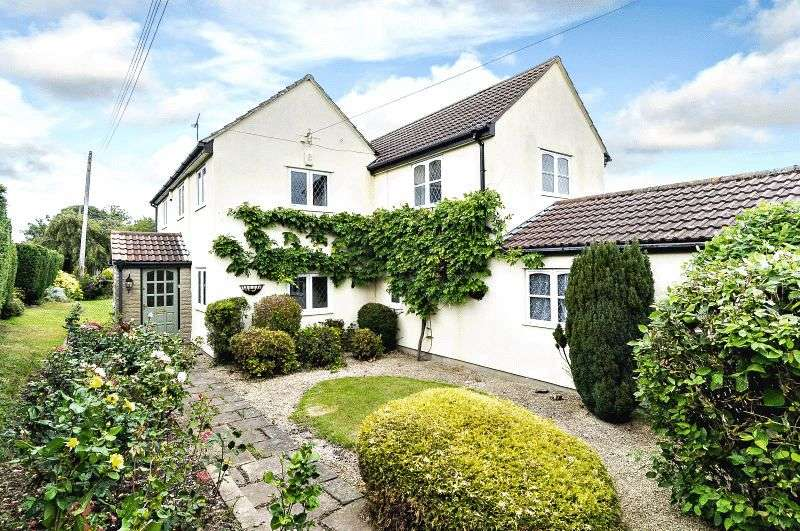 4 Bedrooms Detached House for sale in Stone, Berkeley
