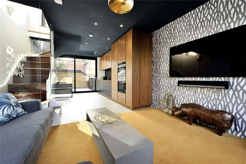 2 Bedrooms Flat for sale in Barnsbury Street, London, N1