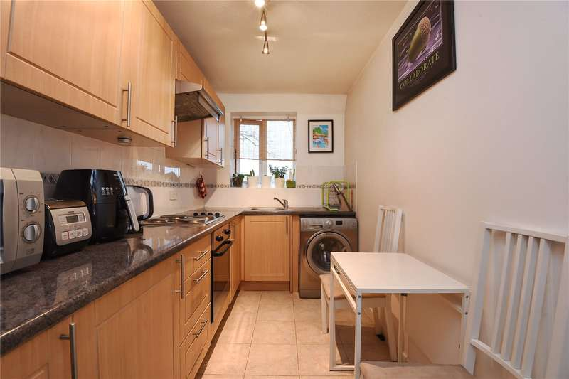 1 Bedroom Apartment Flat for sale in Chichester Court, Kings Road, Harrow, Middlesex, HA2