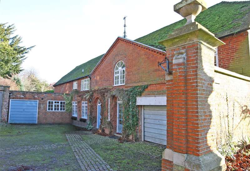 3 Bedrooms Detached House for sale in Castle Hill, Farnham, Surrey, GU9