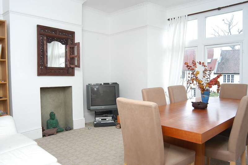 2 Bedrooms Flat for sale in Foyle Road, Greenwich, SE3