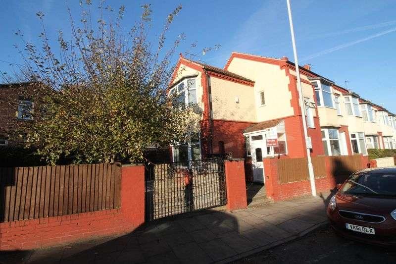 3 Bedrooms Semi Detached House for sale in Singleton Avenue, Prenton