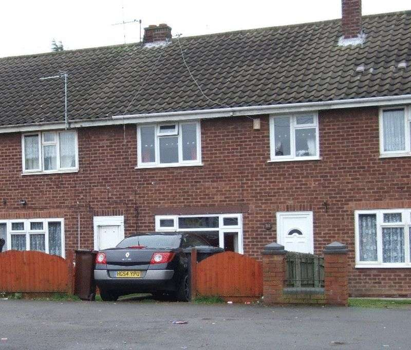 3 Bedrooms Terraced House for sale in Bradley Lane, Bilston