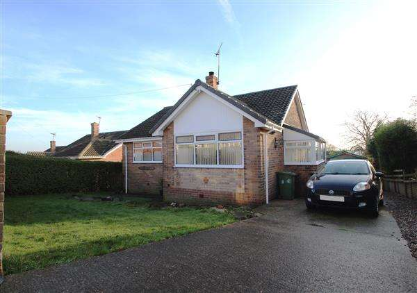 3 Bedrooms Bungalow for sale in Greenfield Road, Hemsworth