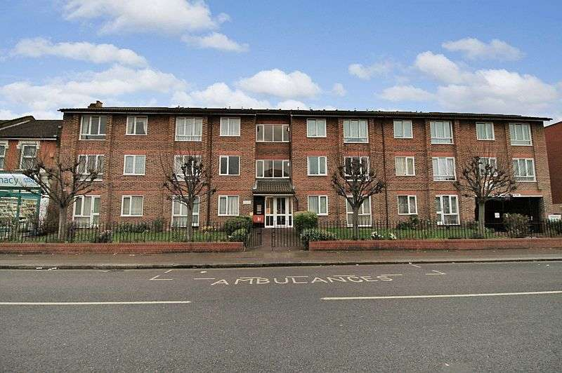 1 Bedroom Retirement Property for sale in Langdale Court, Ilford, IG1 1DU