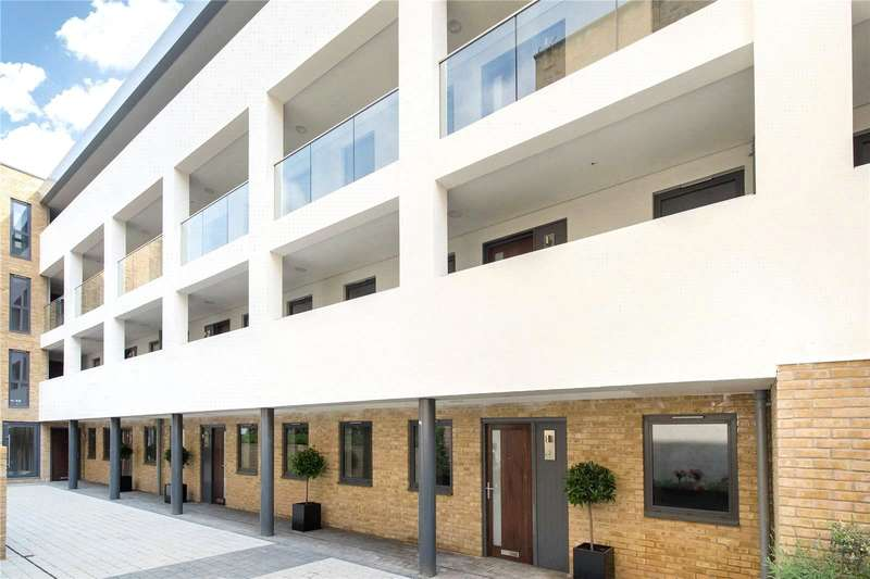 2 Bedrooms Flat for sale in Ashburnham Mews, London, SW1P