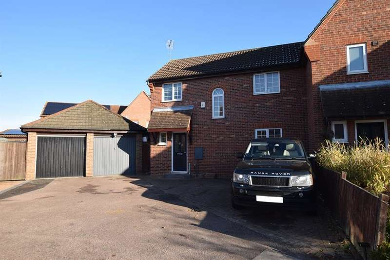 3 Bedrooms Semi Detached House for sale in Coalport Close, Harlow, CM17