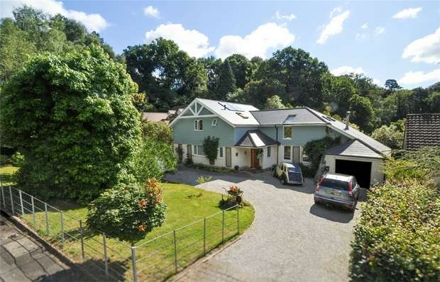 3 Bedrooms Detached House for sale in Park Homer Drive, WIMBORNE, Dorset