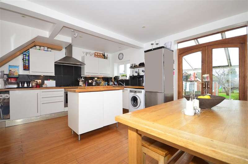 5 Bedrooms Semi Detached House for sale in Craignair Avenue, Patcham, Brighton, East Sussex