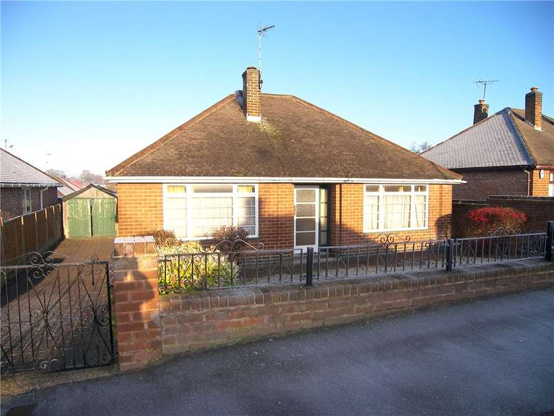 3 Bedrooms Detached Bungalow for sale in Castleton Avenue, Riddings, Alfreton, Derbyshire, DE55