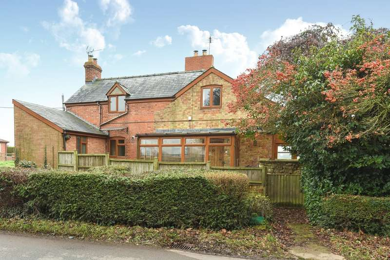 3 Bedrooms End Of Terrace House for sale in Little Haresfield, Standish