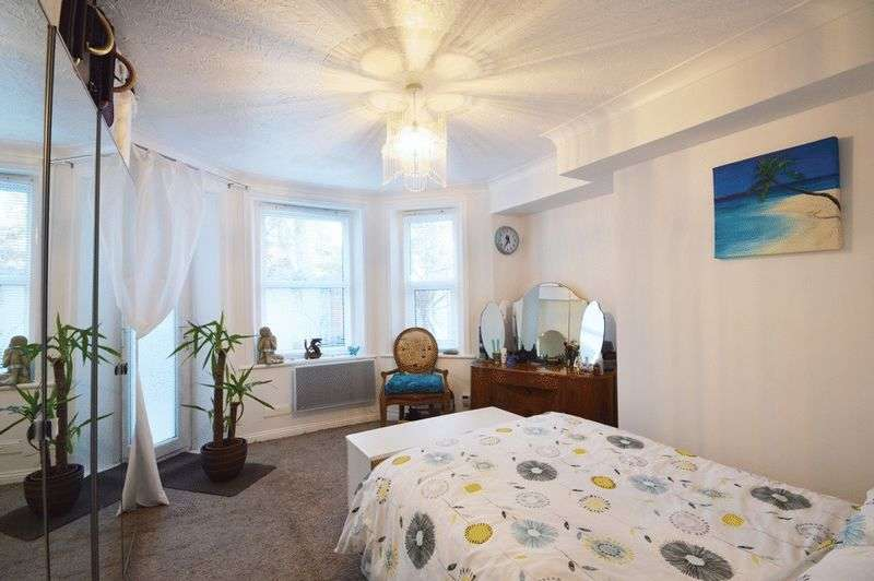 1 Bedroom Flat for sale in Bournemouth BH2