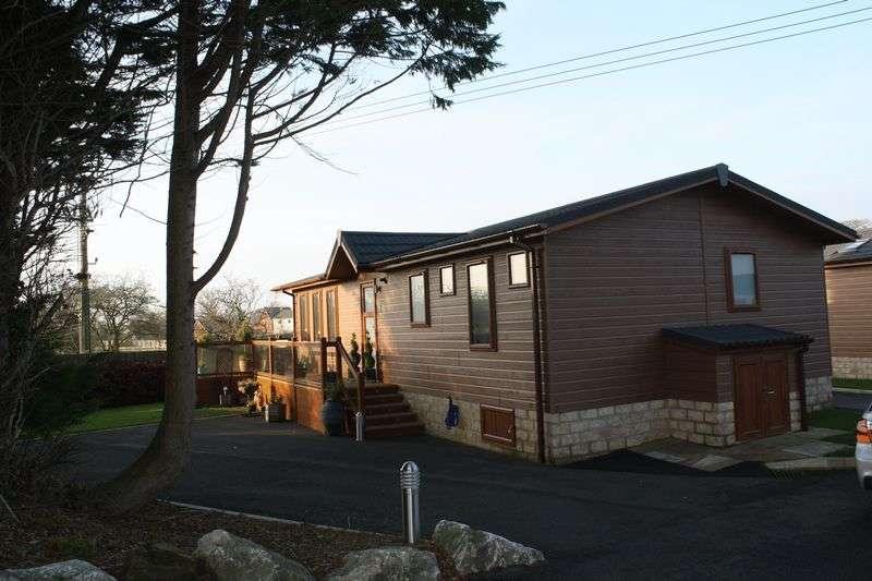 2 Bedrooms Bungalow for sale in 5 Rowanwater, Garstang Road, St. Michaels, Preston, Lancashire, PR3 0TD