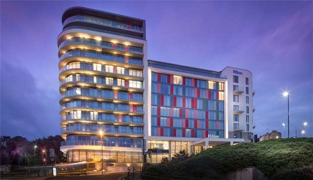 2 Bedrooms Flat for sale in Terrace Mount Residences, Terrace Road, Bournemouth, Dorset