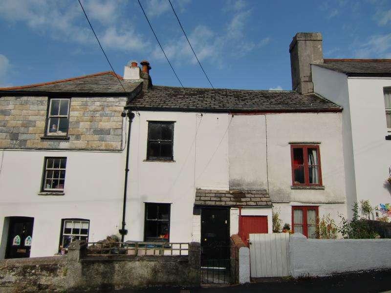 2 Bedrooms Terraced House for sale in Wooda Road, Launceston, Cornwall