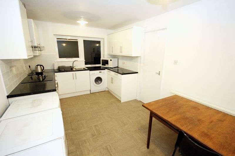 4 Bedrooms Terraced House for sale in Hobart Road, Hayes