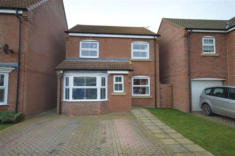 3 Bedrooms Property for sale in Swan Court, Hornsea, East Yorkshire