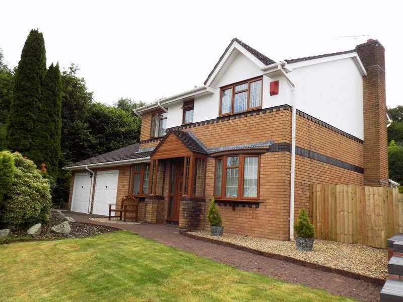 4 Bedrooms Detached House for sale in Parc Bryn Derwen, Llanharan