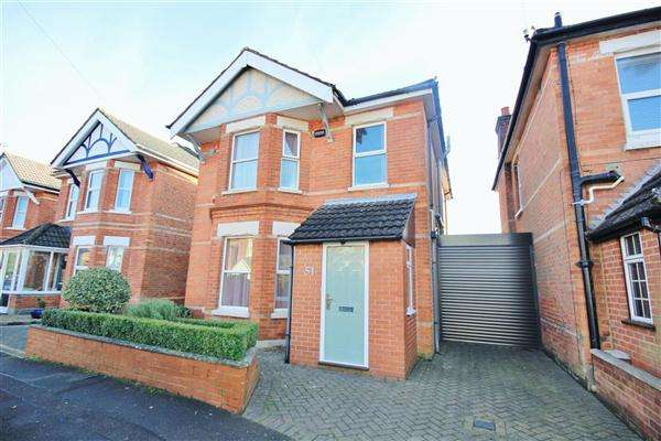 3 Bedrooms Detached House for sale in Evelyn Road, Moordown, Bournemouth