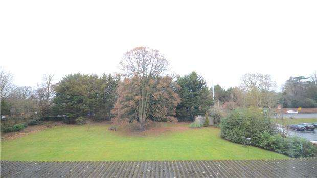 1 Bedroom Apartment Flat for sale in Belgravia Court, Bath Road, Reading