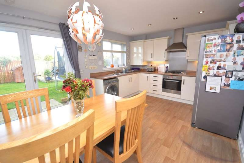 4 Bedrooms Detached House for sale in Jutland Street, Rosyth, Dunfermline, KY11