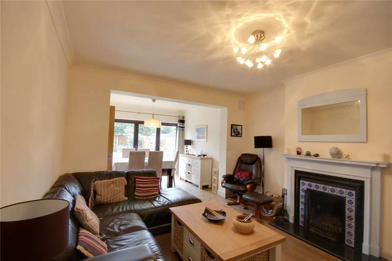 4 Bedrooms Semi Detached House for sale in Burcott Gardens, Addlestone, Surrey, KT15