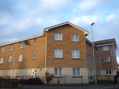 2 Bedrooms Flat for sale in Banyard Close, Cheltenham, Gloucestershire
