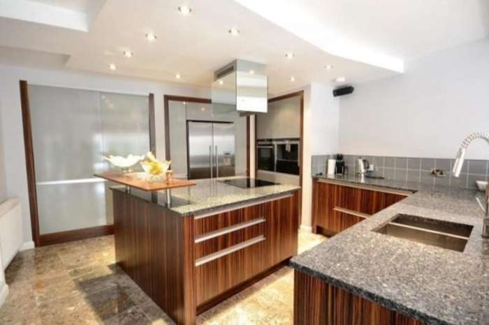 3 Bedrooms Flat for sale in Drysdale Street, Hoxton